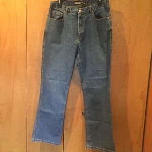 Sz 2 (12/14) Chico's classic bootcut jean-med wash